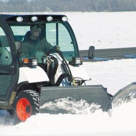 Bobcat Empujador de Nieve Angular